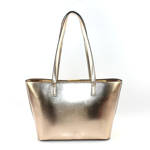 The shiny handy tote bag features top long handles, light gold hardware and top zip closure, it is perfect to have dinner with your favorite girls.