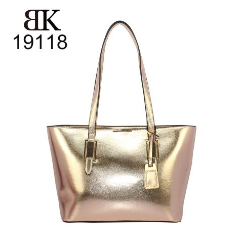 Shiny metallic golden bag trends in 2019