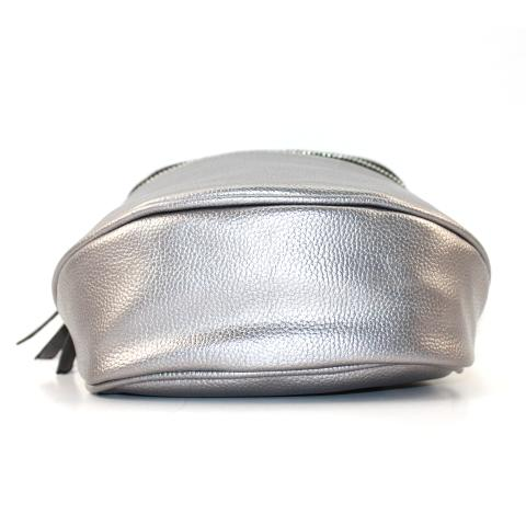 Put aside the usual timeless leather belt bag, the classic silver belt bag shows sense of gentle and features silver hardware, exterior zip pocket to carry keys or lipstick.