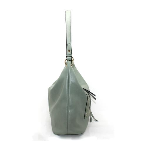 The tried-and-true pu Leather revits Hobo bag is your ideal new everyday bag boasting,plenty of pockets inside and out, and a comfortable, adjustable strap.