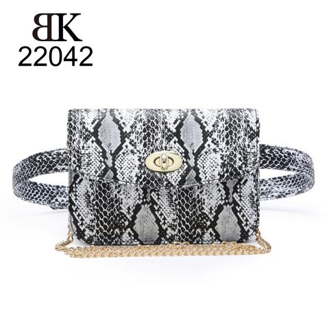 Chic white snake print belt bag factory in Guangzhou